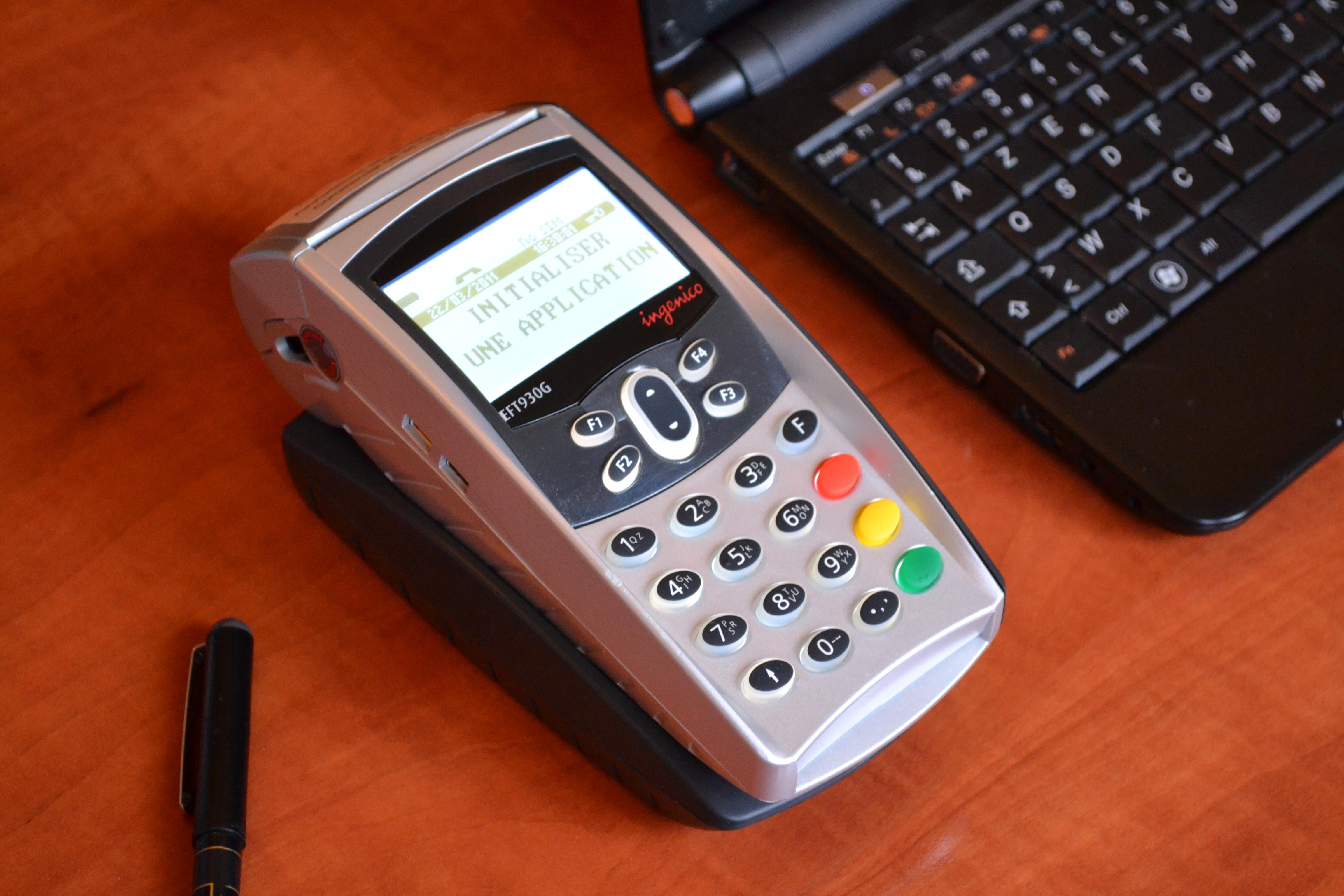 Lecteur carte bancaire portable d'occasion